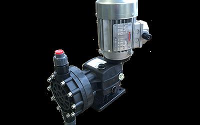 DSMT Pompa dosatrice a membrana meccanica 0-250lt/h. Corpo TECNOPOLIMERO